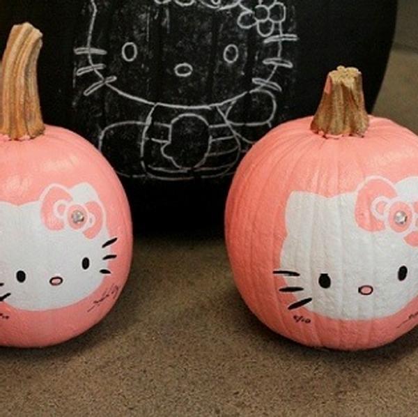 Pink Hello Kitty Halloween Pumpkins