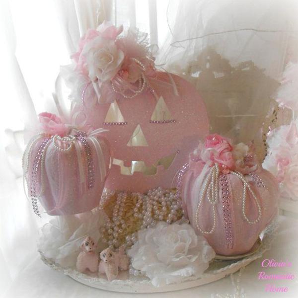 20 Pretty Pink Halloween Decoration Ideas