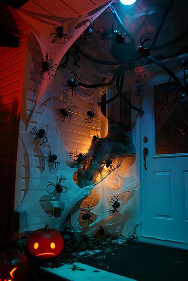 25 Cool And Scary Halloween Decorations  Home Design And  ~ 152424_Really Scary Halloween Decoration Ideas