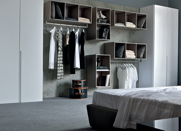 Habitat walk in closet by estel home design and interior for Studio apartment solutions