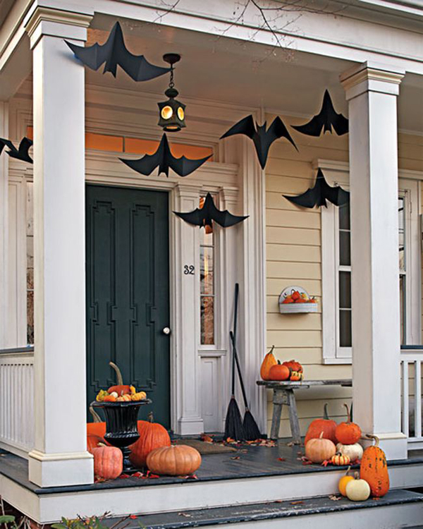 bat halloween front door decorations - Creative Halloween Door Decorations