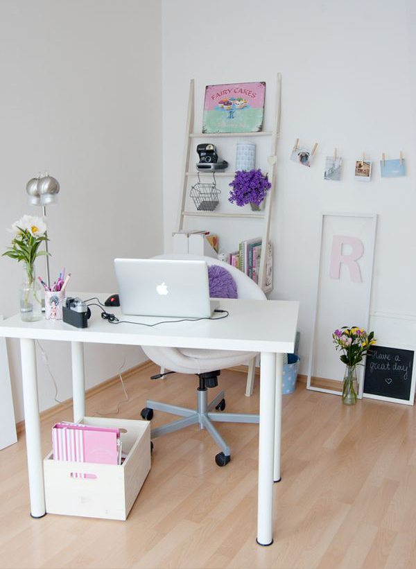 beautiful-girly-workspace
