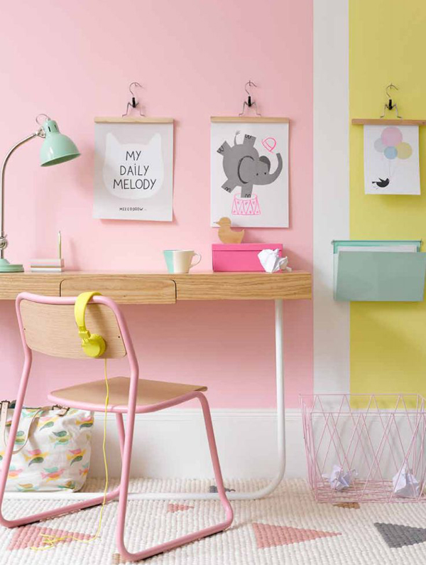 girly-pink-workspace