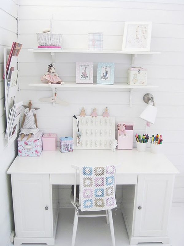 girly-white-workspace-wall