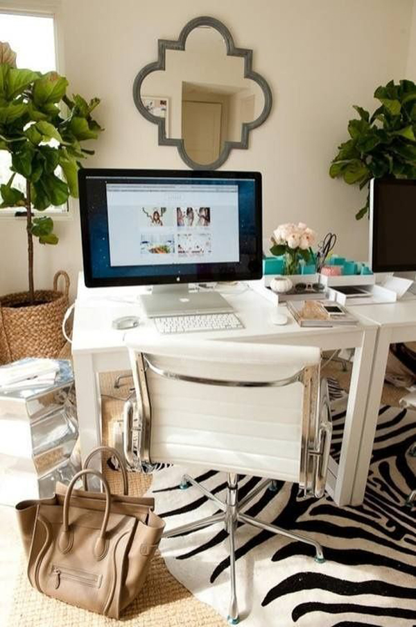 girly-women-workspace
