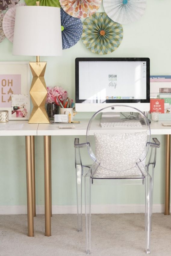 girly-workspace-accessories