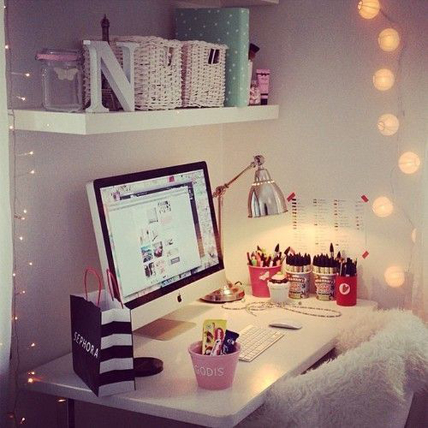 girly-workspace-lights