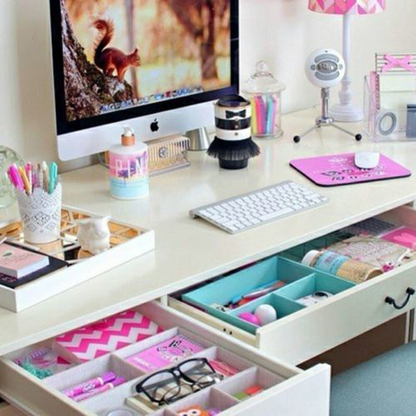 girly-workspace-storage