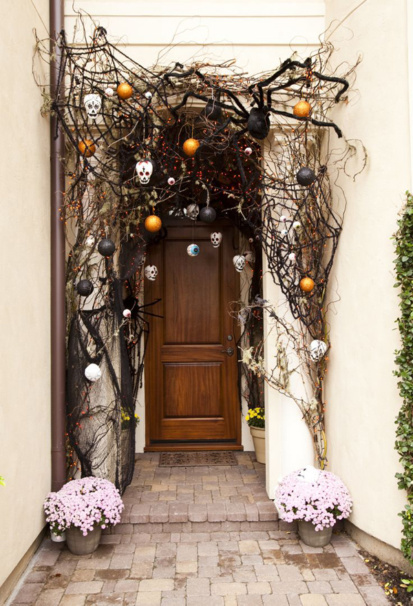 Gallery Of 35 Awesome Halloween Front Door Ideas