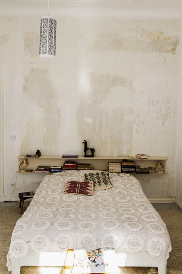 vintage-apartment-bedroom