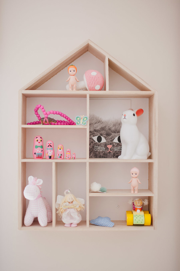 Kids wall shelving for Wall shelves kids room