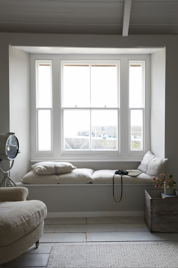 Window seat built in reading nooks Window seat reading nook