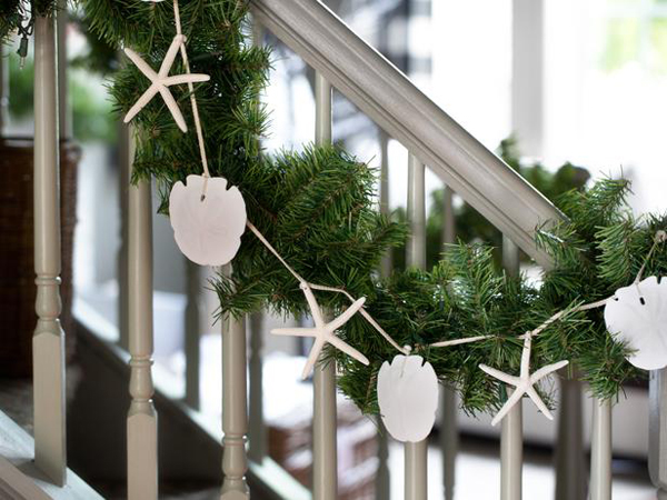 Christmas Decorations For The Beach House : Sea life garland