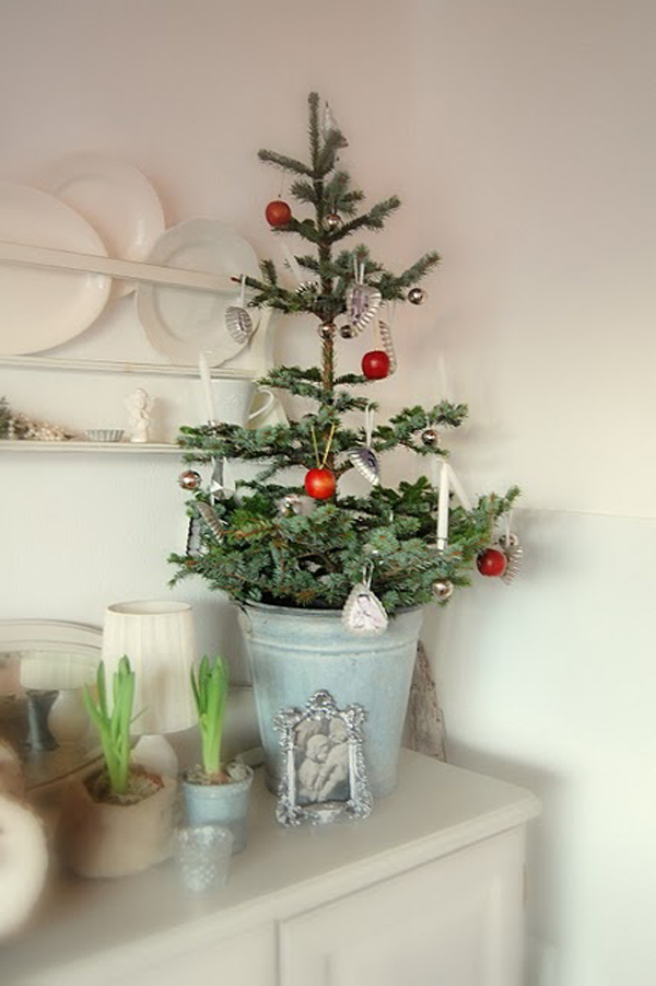 Brilliant small christmas trees for Small designer christmas trees
