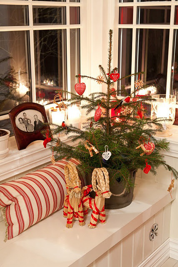 this is a beautiful small christmas tree for your living room - Small Decorations For Christmas