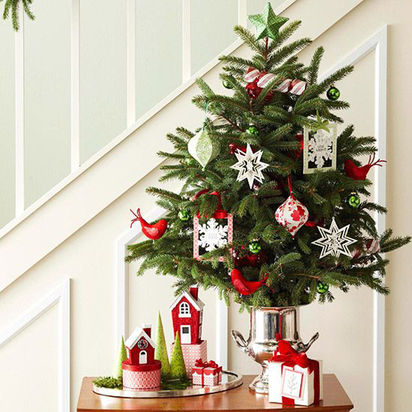 20 brilliant christmas tree saving ideas home design and interior - Christmas Decorations For Small Trees