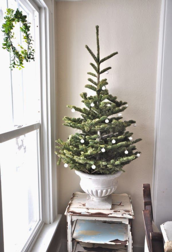 Antique Christmas Tree Stand Decorations : Vintage christmas tree ideas