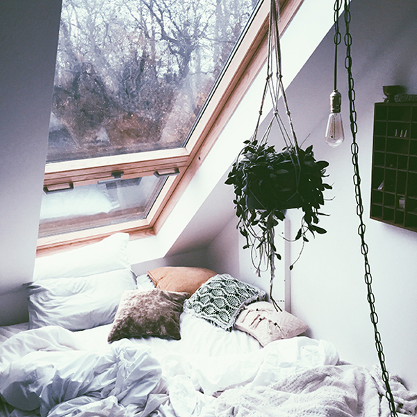 DIY Cozy Bedroom With Nature Element