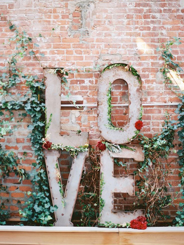 20 romantic outdoor valentine decorations home design for Love decorations for the home