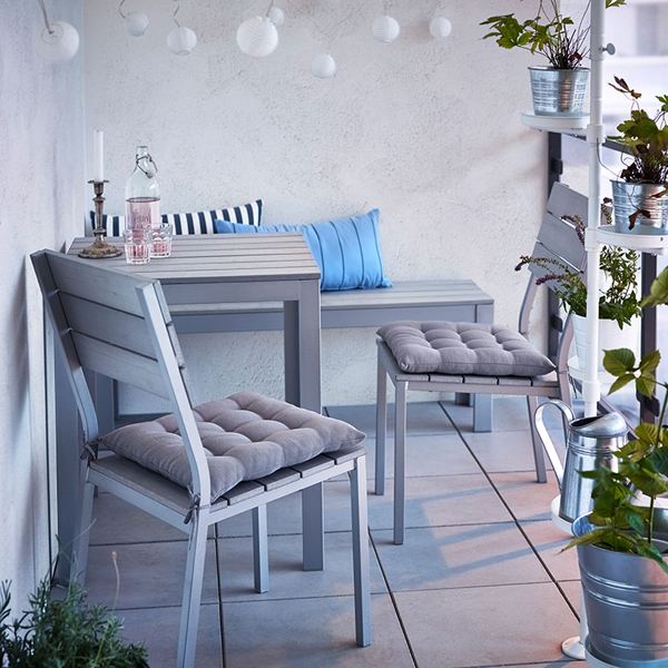 Apartment patio inspiration: how to decorate a small apartment ...
