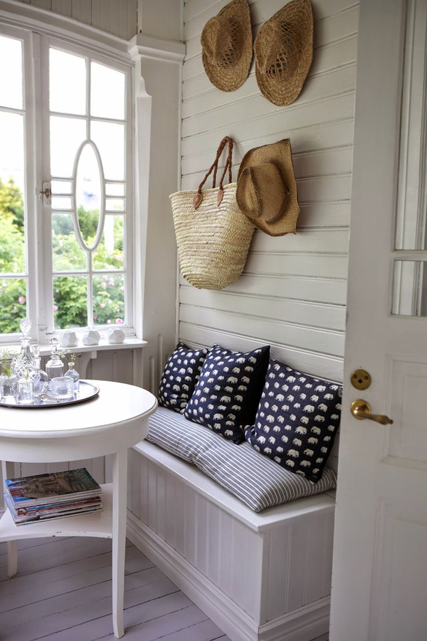 20 small and cozy sunroom design ideas home design and for Sun porch ideas