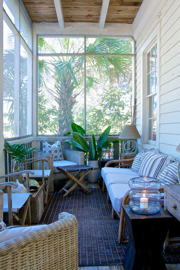20 small and cozy sunroom design ideas home design and for Enclosed porch furniture ideas