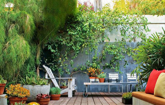 colorful-small-backyard-ideas
