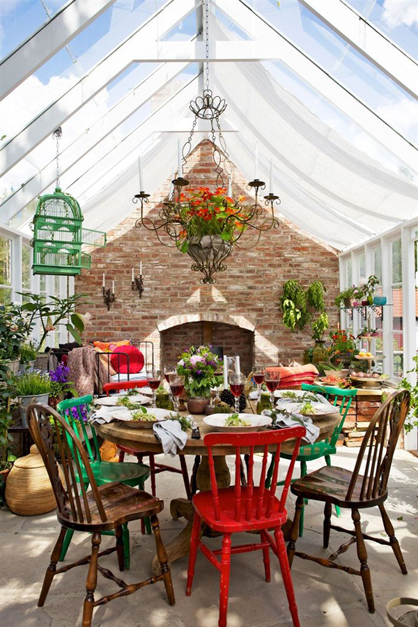 outdoor-bohemian-dining-space