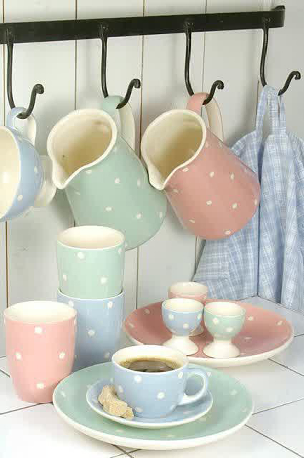 I have compiled 25 polka dot interior ideas that will enhance the look of your walls get inspired! & 25 Adorable Polka Dot Interior Ideas | Home Design And Interior