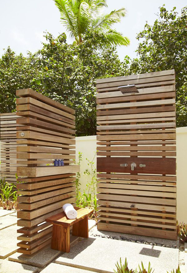 10 diy creative outdoor shower ideas home design and interior. Black Bedroom Furniture Sets. Home Design Ideas
