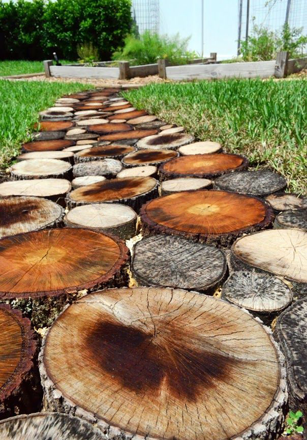 10 Unique DIY Garden Path Designs