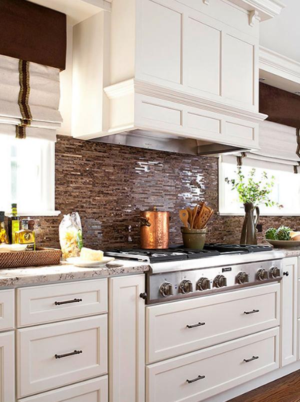 Brown kitchen backsplash design for Chocolate brown kitchen designs