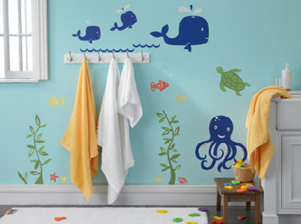 kids-bathroom-with-under-sea-wall-decals