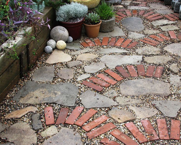 10 unique diy garden path designs home design and interior for Paving designs for small garden path