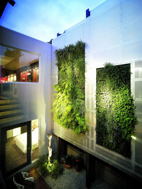 20 cool vertical garden walls home design and interior for Green living homes