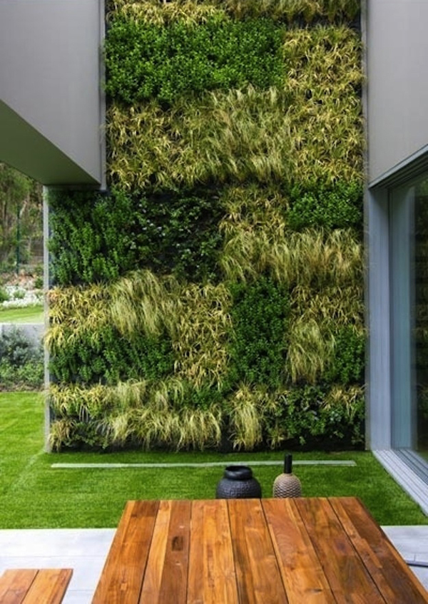 20 cool vertical garden walls decorazilla design blog for Vertical garden design