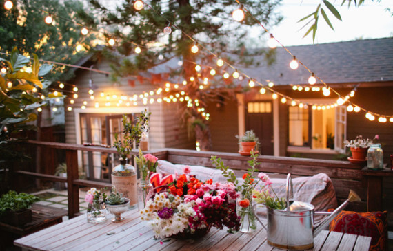 romantic-backyard-lighting-ideas