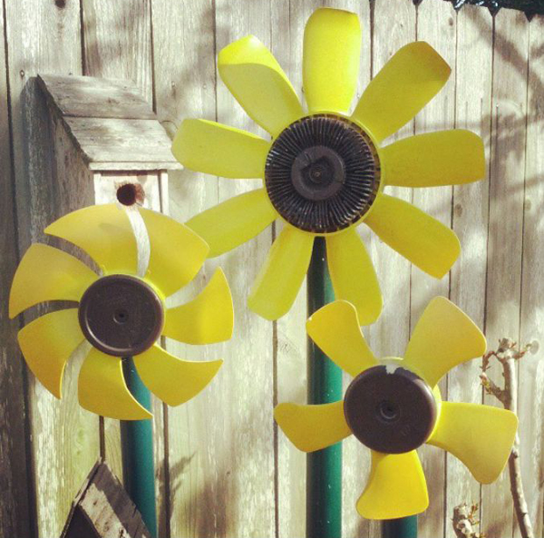 DIY-recycled-car-part-yard-art-sunflower-flower