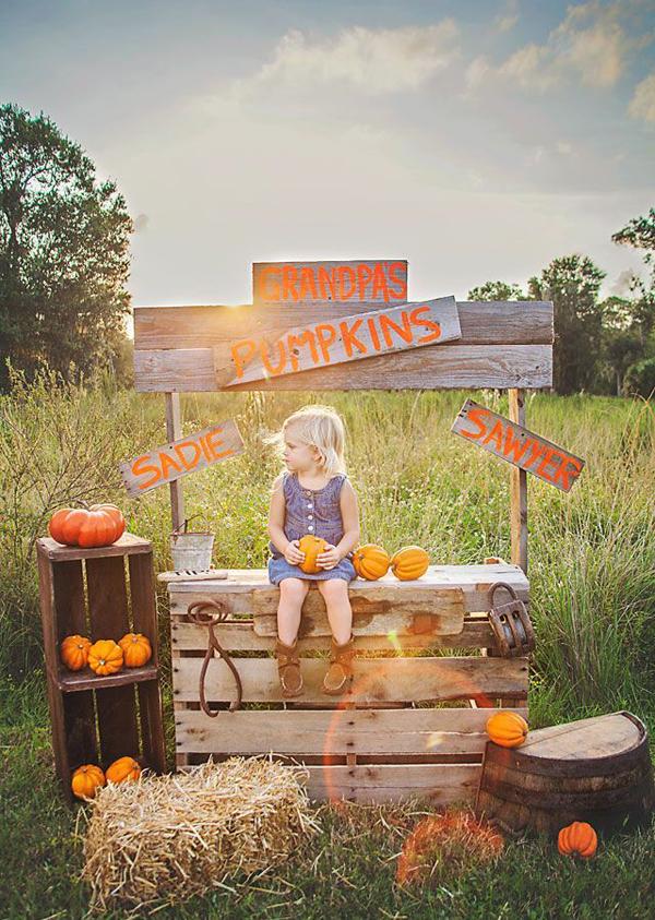 pumpkin patch photo ideas - 20 Outdoor Pumpkin Stands For Kids Play