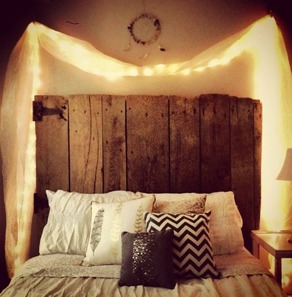 Diywoodenheadboardwithcurtainlights - Curtain lights for bedroom