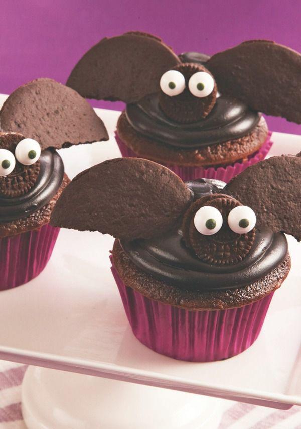 Easy Halloween Bat Cupcakes