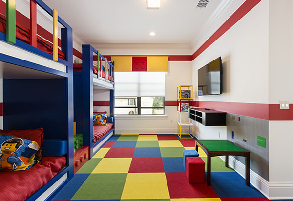 boys-bedroom-with-lego-decor