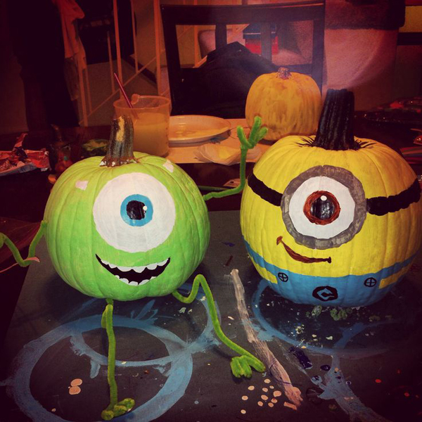 25 cool diy minion pumpkins for halloween home design Easy pumpkin painting patterns
