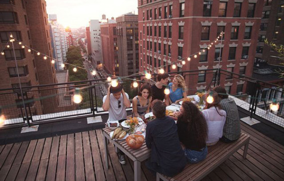 fun-rooftop-dining-area-with-friend
