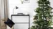 simple-and-minimalist-christmas-tree-decorations