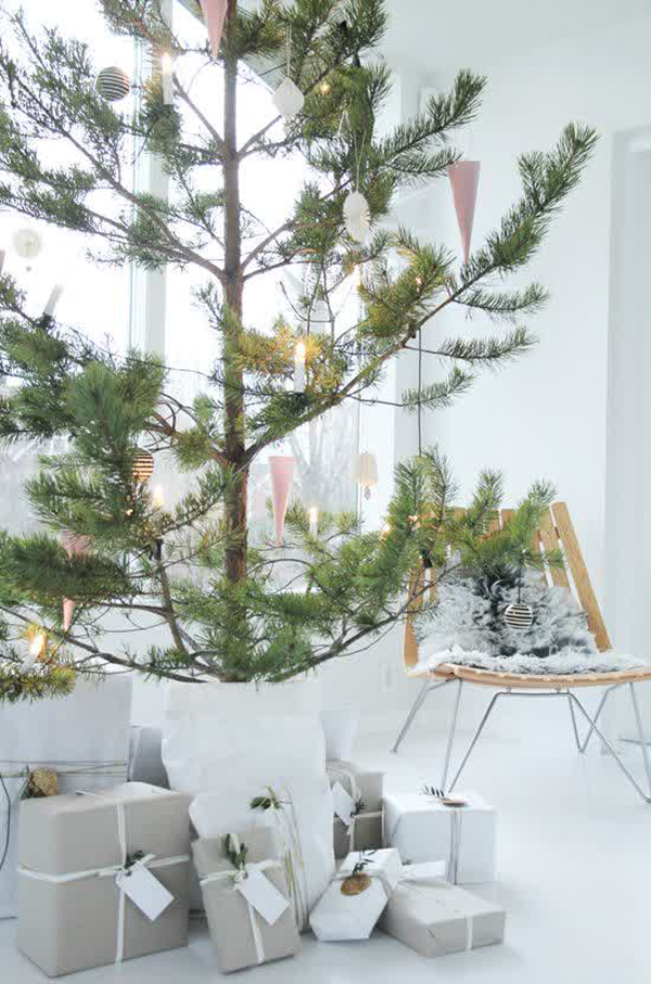 25 simple and minimalist christmas tree decorations home Sample christmas tree decorating ideas