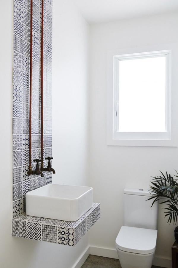 White Small Bathroom Decorating