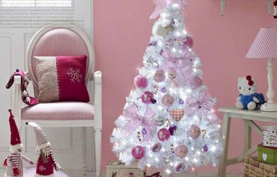 christmas-tree-with-hello-kitty-theme