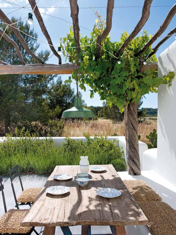 outdoor finca dining room in ibiza. Black Bedroom Furniture Sets. Home Design Ideas