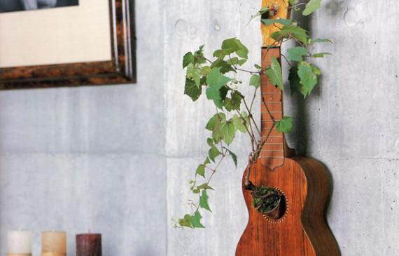 repurpose-guitar-planter-wall-hanging